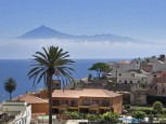 Villa de Agulo with a view to the Teide