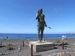 Statue Hautacuperche on the beach of La Puntilla