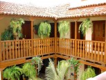 Beautiful patio with ferns in Casa de los Helechos